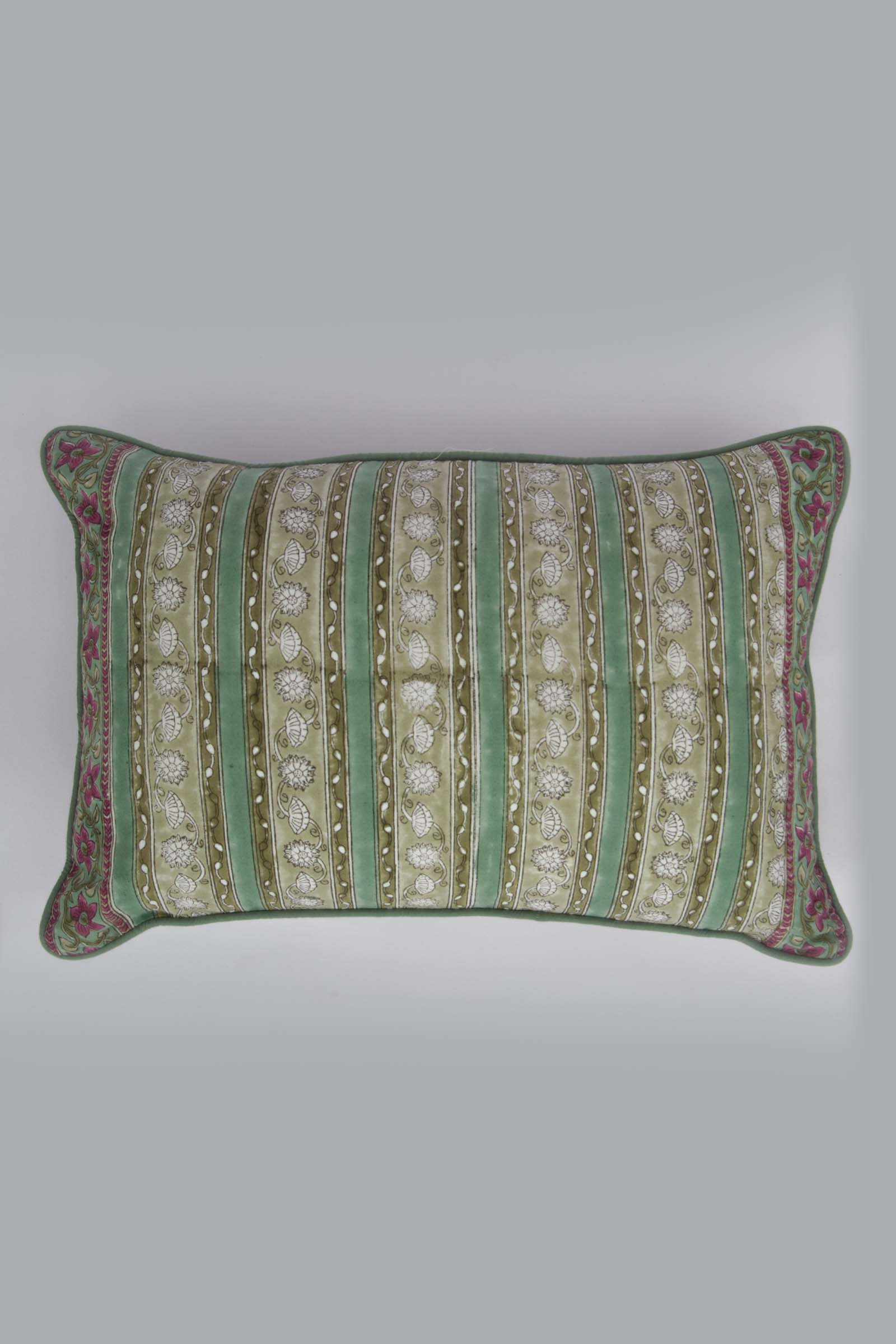 Kamalbaadi 12*18 Cushion Cover