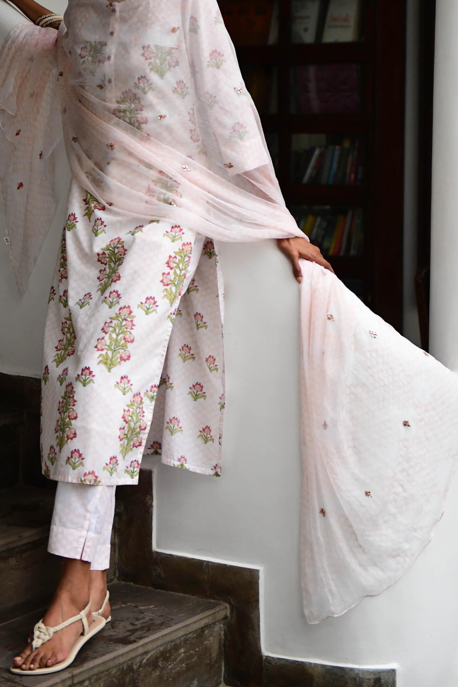 Mughal Jaali Chiffon Dupatta