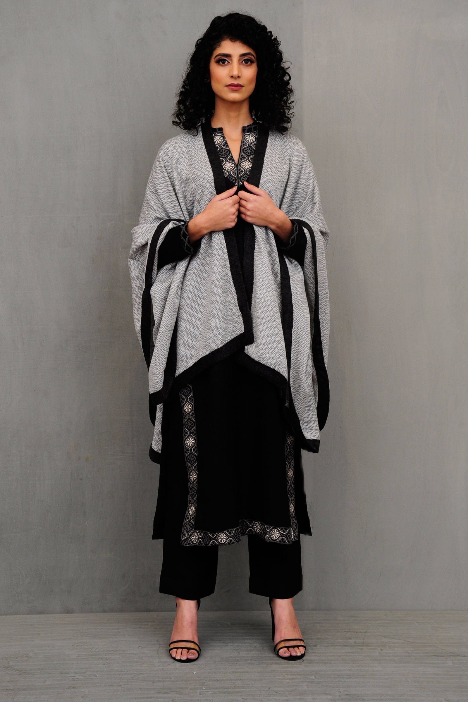 Knitted Woolen Black Border Cape