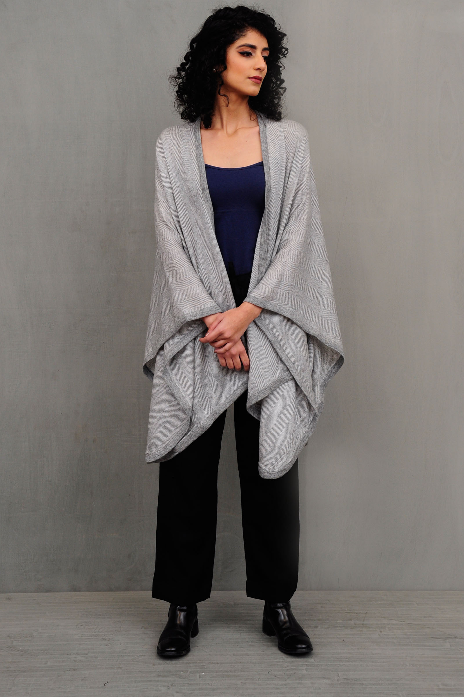 Knitted Woolen Grey Border Cape