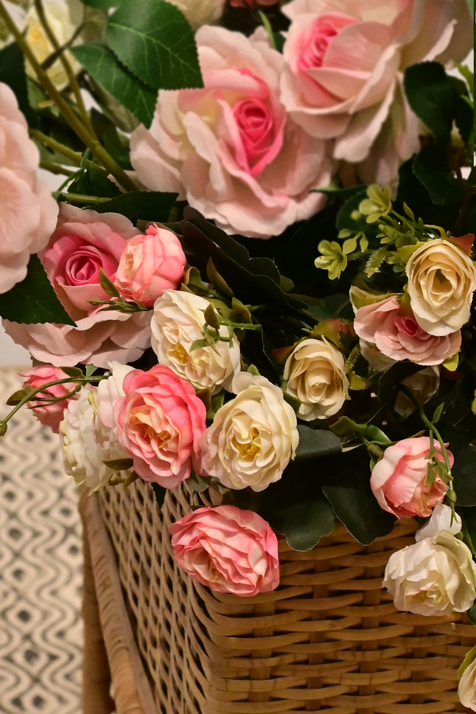 Brunch Of Roses White & Pink
