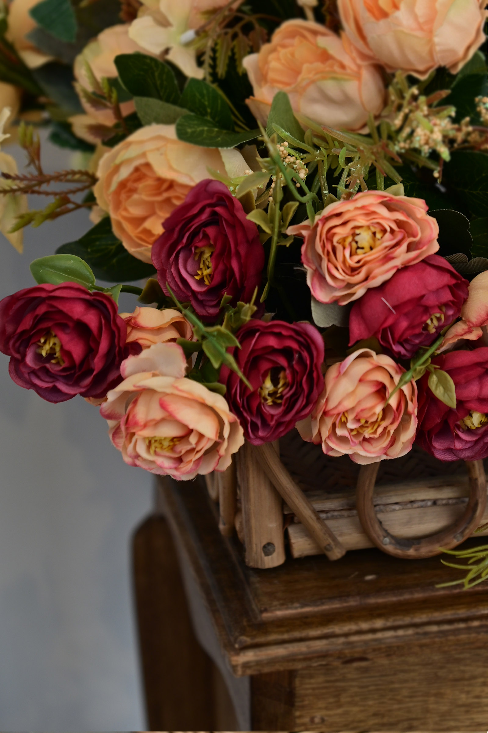 Bunch Of Roses Peach & Maroon