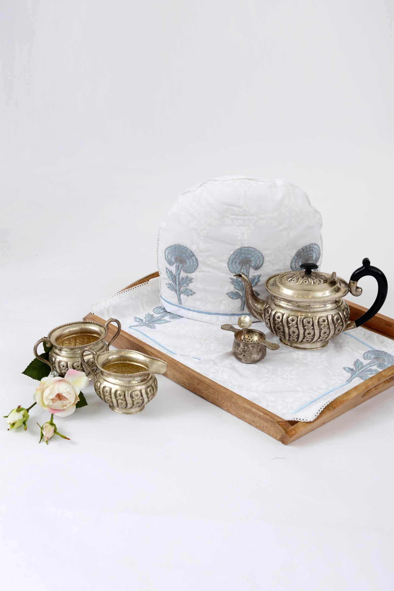 Tea Cosy set sky carnation