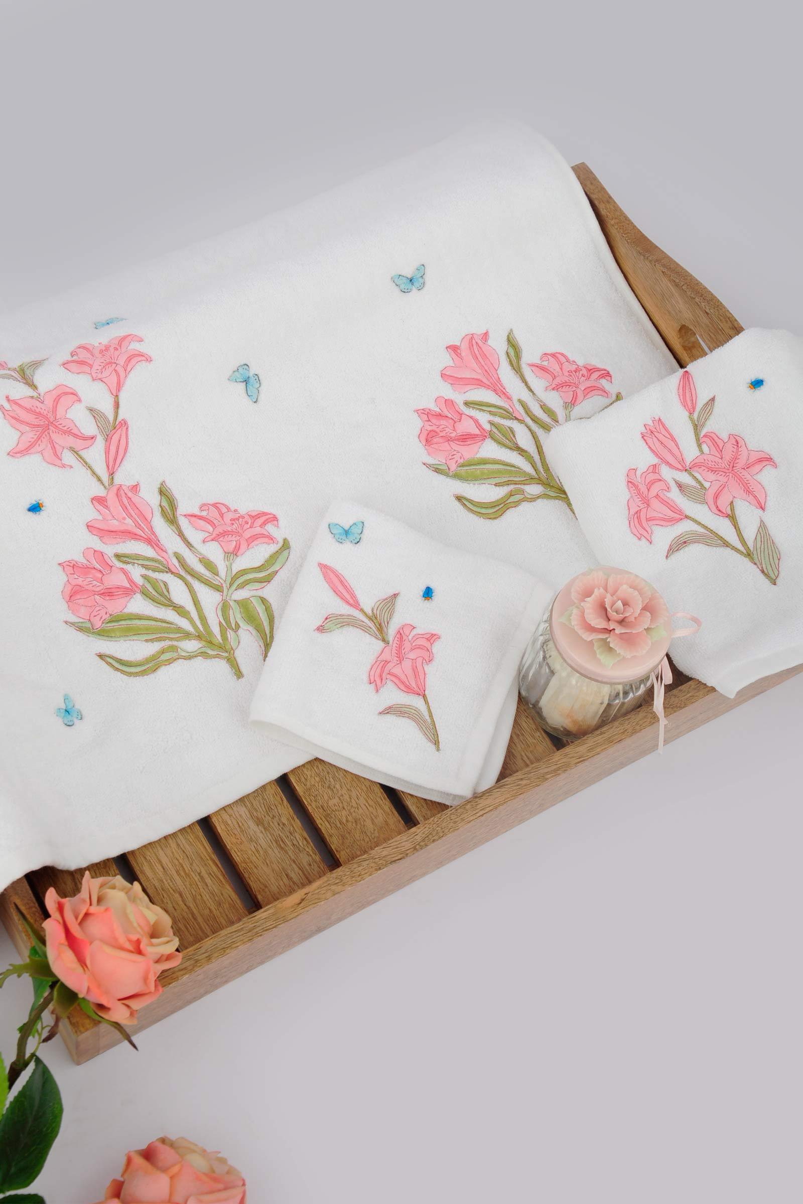 Lilium Bath Towel