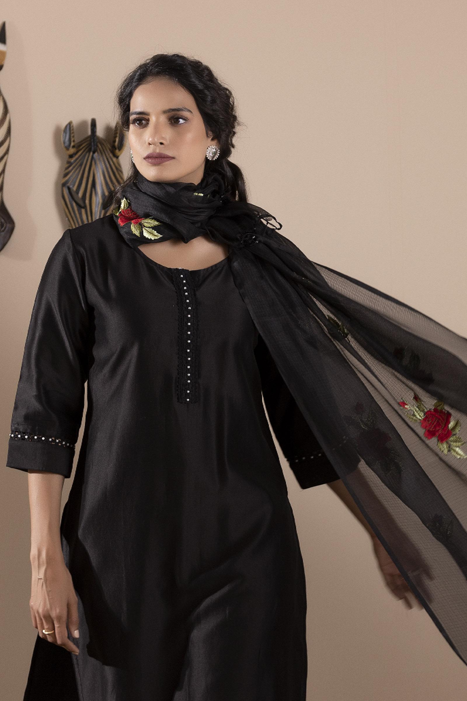 English Rose Black Dupatta