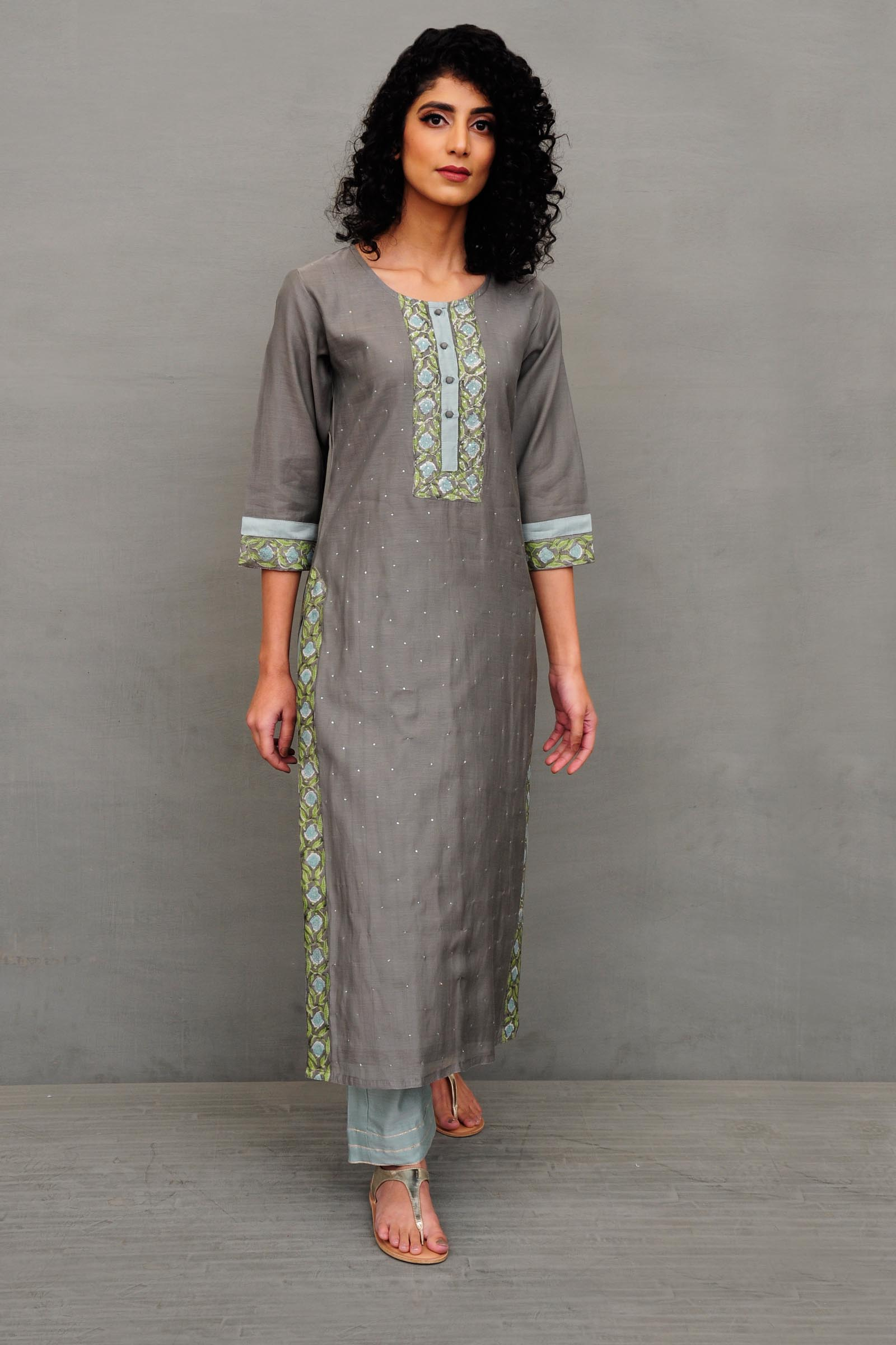 Stars On Me Chanderi kurta