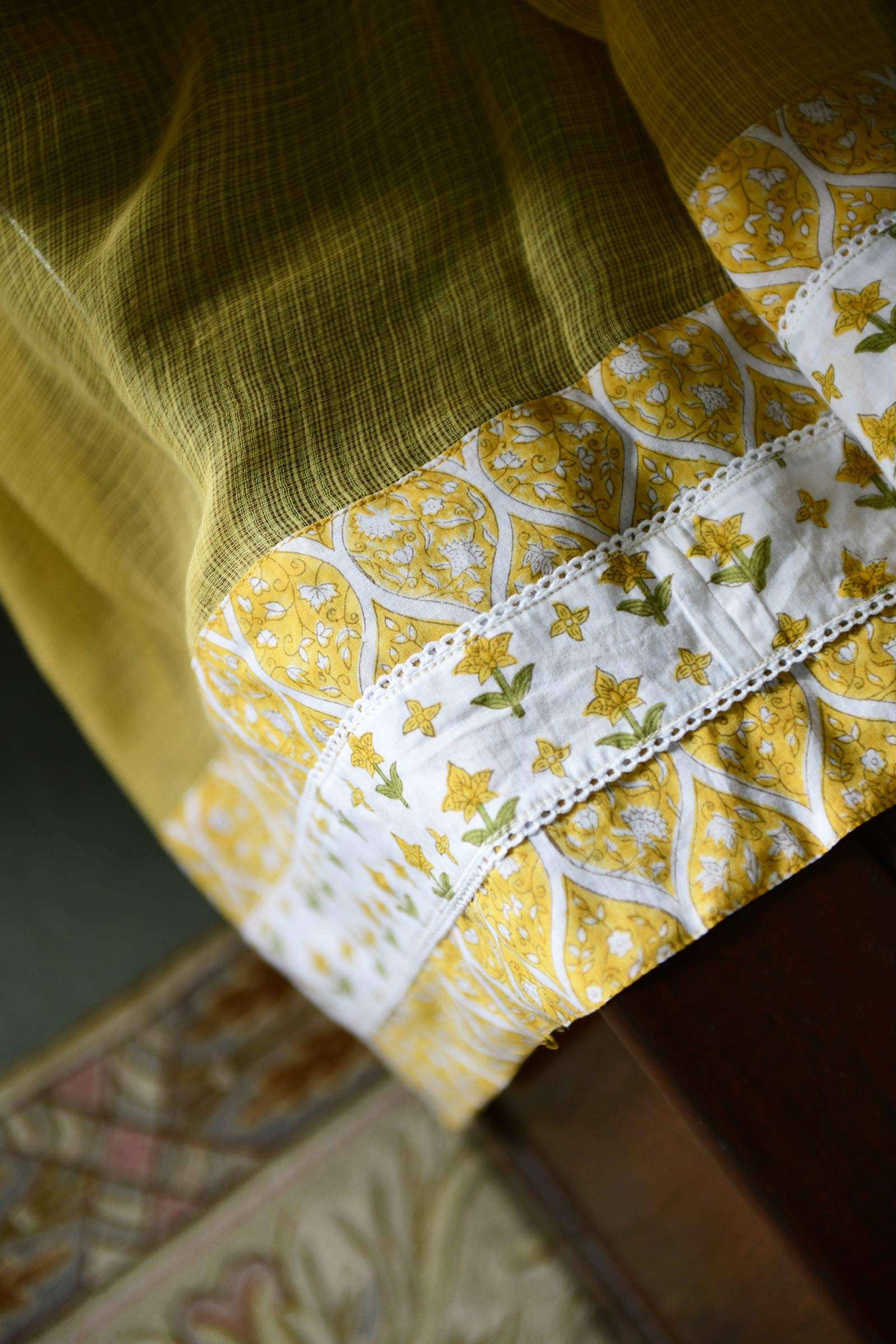 Queen Bee Dupatta