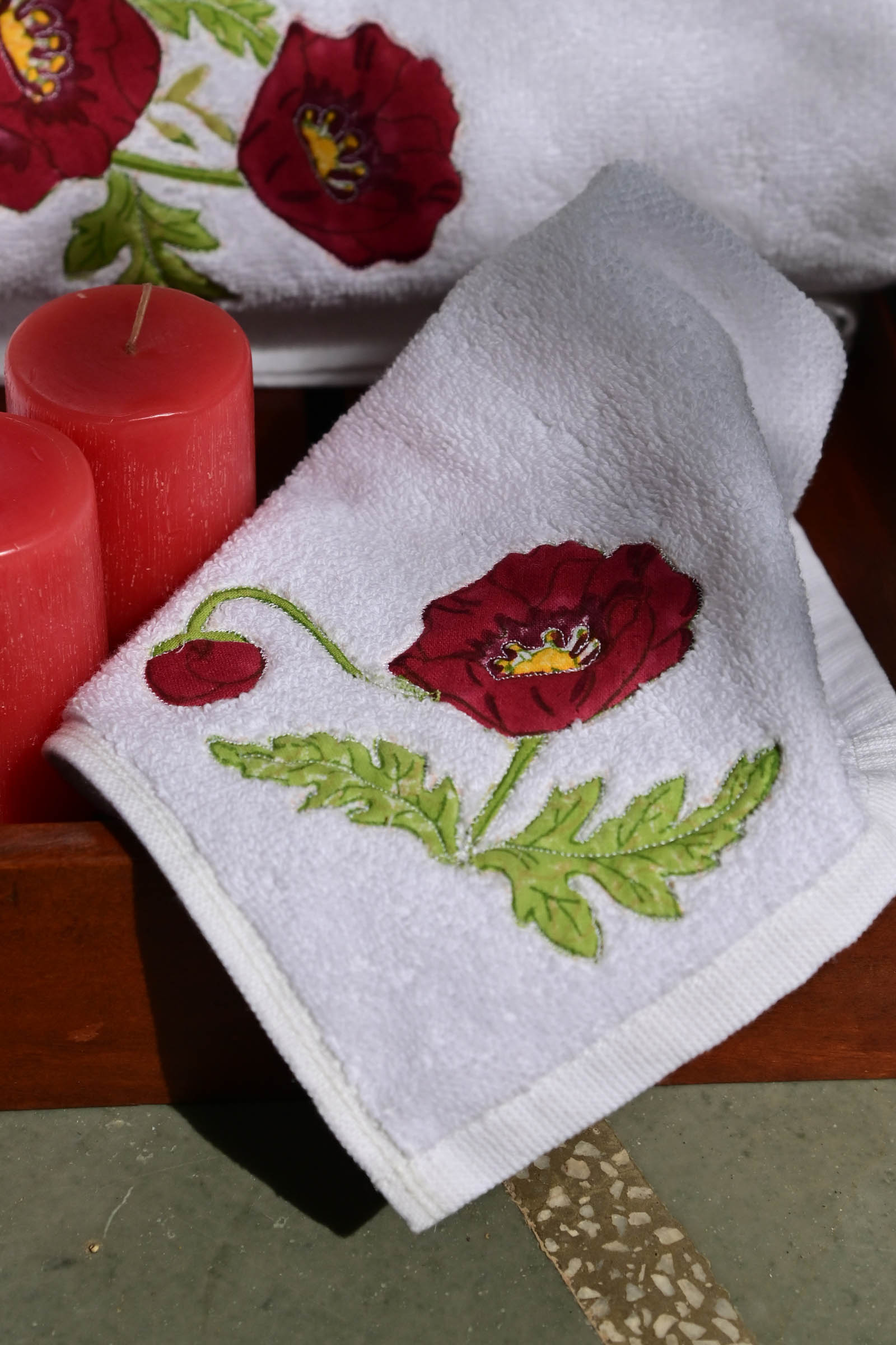 Red Poppies Face Towel (set of 2)