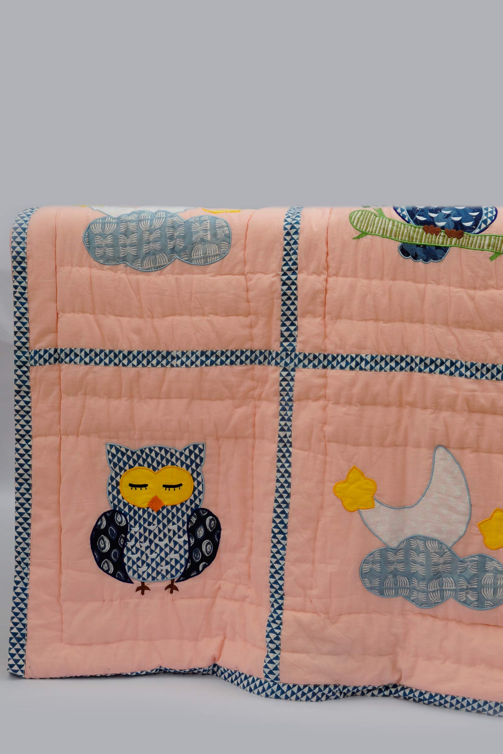 Sleepy Owl Quilt