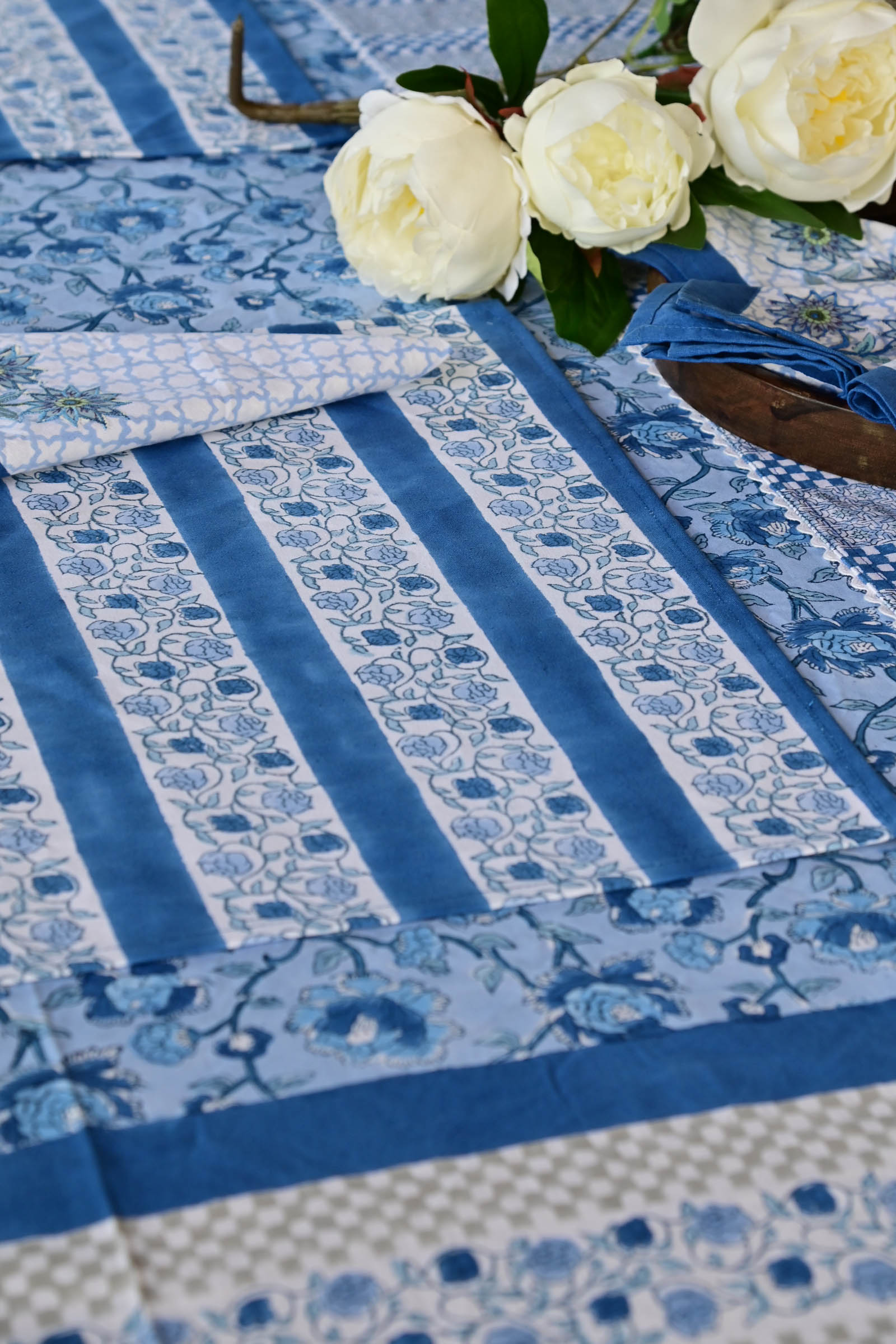 Call Of The Ocean Table Cloth