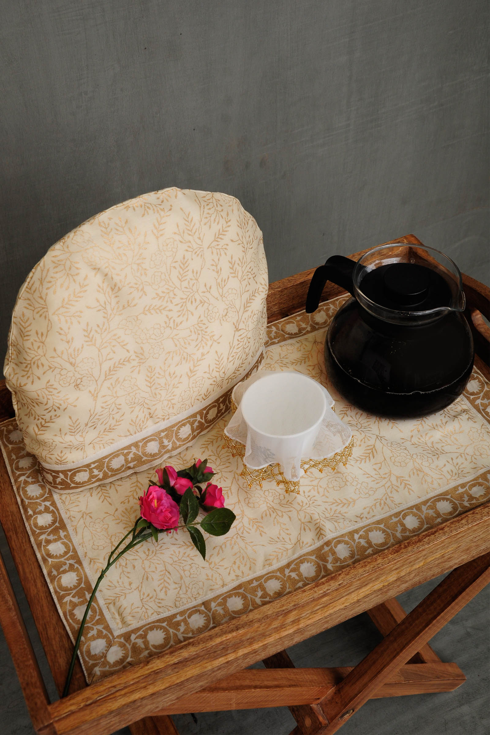 Golden Jaal Tea Cosy Set